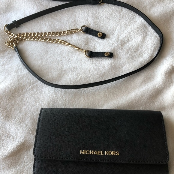 c9d4a307d714 MICHAEL Michael Kors Leather Convert. Chain Wallet.  M 5c02db55c617778e7ce21a1e